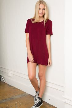 A T-shirt dress.worn with leggings of thigh highs Brandy ♥ Melville Fashion Moda, Girl Fashion, Fashion Outfits, Casual Dresses, Casual Outfits, Cute Outfits, Estilo Hipster, Camisa Formal, Brandy Melville Dress