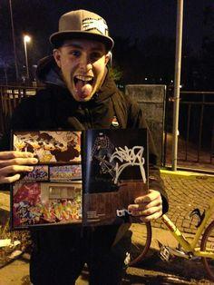 Concludendo la bella serata di ieri abbiamo incontrato Stefano, uno dei nostri Brokers, come sempre in bicicletta! Ora oltre che in strada, ve lo beccate pure nei magazine!