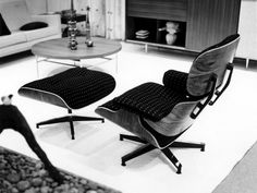Vitra | An Eames Lounge Chair in fabric? Really? Eames Furniture, Eames Chairs, Modern Furniture, Contemporary Dining Chairs, Modern Chairs, Chair And Ottoman, Upholstered Chairs, Outdoor Glider Chair, Home Depot Adirondack Chairs
