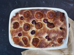 Paul Cezanne II: La coca de albaricoques (ESP) – EATING ARTS Paul Cezanne, Pepperoni, Pizza, Food, Crack Cake, Dishes, Cherries, Oven, Essen