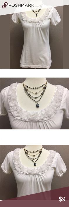 """Ann Taylor Loft Top, Size XS Off White Ladies Loft top, size X small 100% cotton  Bust is approximately 30"""" and length from shoulder to hemline is 24"""" foo preowned condition  Arrives clean and ready to wear from a smoke free environment LOFT Tops"""