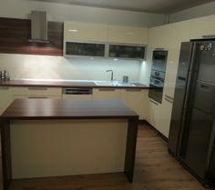 Interiér na mieru Kitchen Island, Kitchen Cabinets, Table, Furniture, Home Decor, Island Kitchen, Decoration Home, Room Decor, Cabinets