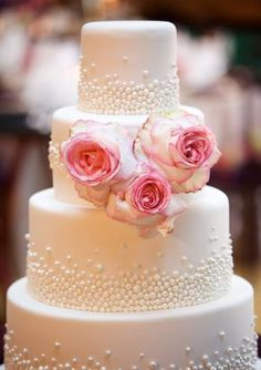 Featured Photographer: Artisan Events; Delightful Daily Wedding Cake Inspiration. To see more: http://www.modwedding.com/2014/07/15/delightful-daily-wedding-cake-inspiration/ #wedding #weddings #wedding_cake Featured Wedding Cake: Amy Beck Cake Design; Featured Photographer: Artisan Events