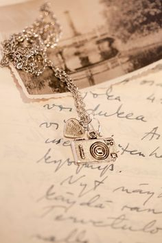 Camera Necklace @Rachel Humphreys i thought you might like this!