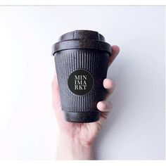 Kaffeeform x Minimarkt / Weducer Cup, € Black Coffee Mug, Coffee Cups, Coffee Shop Business, Reusable Coffee Cup, Coffee Store, Cafe Interior Design, Coffee Shop Design, Food Packaging, Wrapping