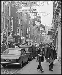CARNABY STREET/LONDON. VINTAGE IMAGE.