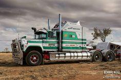 Mack Trucks, Big Rig Trucks, New Trucks, Custom Trucks, Cool Trucks, Heavy Duty Trucks, Heavy Truck, Peterbilt, Truck Transport