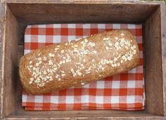 Himmelsk havrebrød – Bollefrua Bread Recipes, Baking Recipes, Cake Recipes, Bread Baking, Hot Dog Buns, Brunch, Food And Drink, Health Fitness