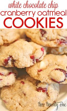 The BEST white chocolate chip cranberry oatmeal cookies! I'd make them minus the white chocolate. Köstliche Desserts, Dessert Recipes, Plated Desserts, White Chocolate Chips, Choco Chips, Chocolate Oatmeal, Chocolate Cherry, Snacks, How Sweet Eats