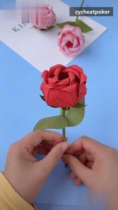 source-cycheatpoker.com Origami Rose, Rosa Origami, Paper Origami Flowers, Instruções Origami, Paper Flowers Craft, Paper Crafts Origami, Flower Crafts, Diy Crafts For Girls, Diy Crafts To Do