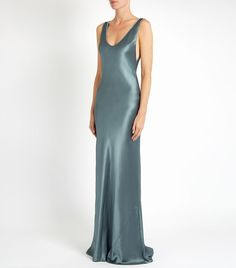 Cool bridesmaid dresses do exist. Find out bridesmaid dresses ideas from 5 cool brands. Satin Gown, Satin Dresses, Silk Satin, Day Dresses, Silk Dress, Evening Dresses, Dress Up, Afternoon Dresses, Dress Long