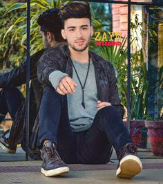Ahaan love you zayn Zayn Malik Style, Zayn Malik Photos, Indian Men Fashion, Boy Fashion, Mens Fashion, Handsome Actors, Cute Actors, Zayn Malik Smiling, Malik One Direction