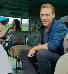 Tom Hiddleston and Kong: Skull Island behind the scenes. Video (by Torrilla): http://www.miaopai.com/show/RAtkADE4JPw0NAKZIh0tdu-rGrw2HTmX.htm?containerid=230442bbbed2373385adb1ace2daeb3084ccae&showurl=http%3A%2F%2Fmiaopai.com%2Fshow%2FRAtkADE4JPw0NAKZIh0tdu-rGrw2HTmX.htm&url_open_direct=1&toolbar_hidden=1&url_type=39&object_type=video&pos=1&luicode=10000011&lfid=2304131846858632_-_WEIBO_SECOND_PROFILE_WEIBO&ep=F8GZUxHC6%2C1846858632%2CF8GZUxHC6%2C1846858632