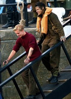 Harry Styles and Tom Glynn-Carney in Dunkirk (2017)