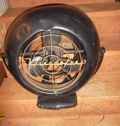 Vintage VORNADO Electric Fan Model B 12D1 All Original Antique original Grill