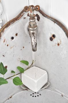 French corner sink