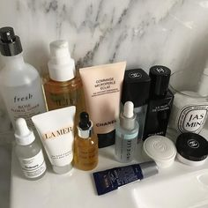 Shelfie Hautpflege Frisch The Ordinary Le Mer Chanel Indie Lee Diptyque top Rose Toner, Looks Instagram, Piel Natural, Natural Skin, Natural Beauty, Skin Tag, Chanel, Skin Products, Skin Care