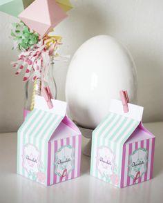 Voici que Pâques arrive à grand pas, il va falloir prévoir des petits contenants pour toutes les gourmandises . Cette année; je vous propose des petites boites à lait dans les couleurs pastels de …