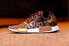 Supreme x Louis Vuitton x adidas NMD R1 のカスタムモデル