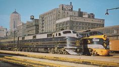 POSTCARD - CHICAGO - TRAINS - B AND O DIESEL - C AND O DIESEL - GRAND CENTRAL STATION - c1960