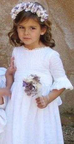 Trajes para los niños de arras: Fotos de diseños - Trajes para los niños de las arras, sencillo diseño para ellas