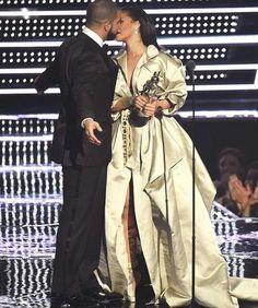 Drake & Rihanna @2016 VMAS