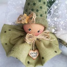 Christmas Fairy, Pink Christmas, Homemade Christmas Decorations, Holiday Crafts, Felt Ornaments, Christmas Ornaments, Theme Noel, Doll Head, Christmas Projects