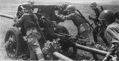 Russian anti-tank gunners