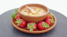 Receta de gazpacho de fresas y gambas