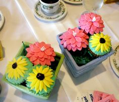 Flowers Made From Cupcakes Arramgement | The sunflower cupcakes were french vanilla. The zinnia cupcakes were ...