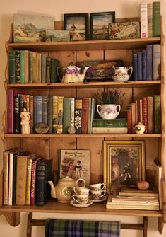Assorted items could be interspersed miniature bookcase to reduce number of book. Assorted items could be interspersed miniature bookcase to reduce number of book. Dream Rooms, Dream Bedroom, Design House Stockholm, Cottage In The Woods, Cottage Style, Aesthetic Room Decor, Aesthetic Indie, Aesthetic Dark, Home Libraries