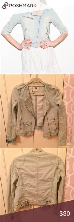 Zara denim jacket EUC Zara Jackets & Coats Jean Jackets