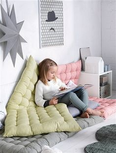 55 Cozy and Full Color Reading Nook for Kids - Room Destination Baby Bedroom, Girls Bedroom, Master Bedroom, Bedroom Decor, Reading Nook Kids, Kids Room Design, Nursery Design, Little Girl Rooms, Kid Spaces