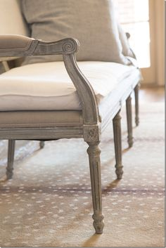 close up of chair finish Aidan Gray via Cote De Texas / love the rug Painted Furniture, Diy Furniture, Dining Chair Makeover, Shabby Chic Christmas, Grey Carpet, Carpet Colors, Carpet Design, French Country Decorating, Beautiful Interiors