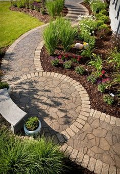Path design ideas to makeover your front yard (60) #LandscapingFrontYard