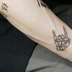 Jungkook Fanart, Foto Jungkook, Bts Tattoos, Tatoos, Bts Drawings, Tattoo Drawings, Bb Chat, Iphone Wallpaper Video, Aesthetic Tattoo