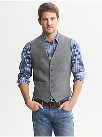 Love this and I am ready for fall. Herringbone Cotton Vest at… Sharp Dressed Man, Well Dressed Men, Vest Outfits, Casual Outfits, Men's Waistcoat, Waistcoat Men Casual, Gilet Costume, Gentleman Style, Looks Style