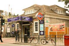 Hounslow Central (tube station) - Photo by Vanessa Machado