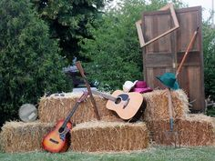 LOTS,OF REALLY GOOD IDEAS FOR BARN PARTY!