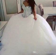 Let charming gowns wedding dresses on DHgate.com get your heart. Besides, huge ball gown wedding dress and lace ball gowns wedding dresses are also winners. new arrival 2016 classic fashion ball gown wedding dress with rhinestone bodice bridal gown puffy skirt tulle skirt belong to you and loveforshop can cheer you up.