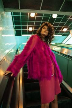 Antonina Petkovic Poses In Subway Styles for Harper's Bazaar Fashion Photography Poses, Fashion Photography Inspiration, Glamour Photography, Fashion Poses, Photoshoot Inspiration, Lifestyle Photography, Shooting Pose, Mode Editorials, Fashion Editorials