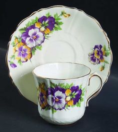 YELLOW/WHITE/PURPLE PANSIES,GOLD TRIM  3049 by OLD ROYAL (ENGLAND)