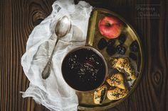 Barszcz czerwony na zakwasie z jabłkiem i śliwkami Recipes, Recipies, Ripped Recipes, Cooking Recipes, Medical Prescription, Recipe
