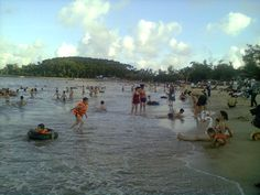 too many people on the beach