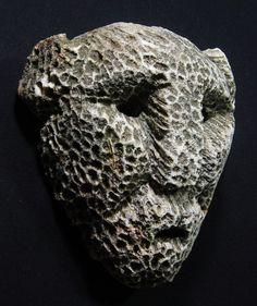 Attualmente nelle aste di #Catawiki: Fossilized coral mask - Atoni - Timor - Indonesia