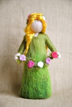 Items similar to Waldorf inspired needle felted doll : Spring Fairy on Etsy Wet Felting, Needle Felting, Spring Nature Table, Felt Angel, Spring Fairy, Felt Fairy, Felting Tutorials, Flower Fairies, Waldorf Dolls