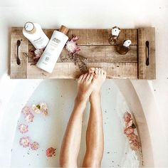 Mom will love this reclaimed wood bath caddy for Mother's Day! Each tray is totally unique and one of a kind as it is made to order from recycled wooden pallets that are salvaged from local businesses in Terre Haute, Indiana. Wood Bath Tray, Bathtub Tray, Bath Tub, Bath Caddy Wooden, Bath Trays, Wooden Bathtub, Bathtub Caddy, Bath Room, Mason Jar Diy
