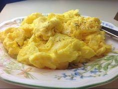 How to make perfect, fluffy scrambled eggs   Cocinando con Alena