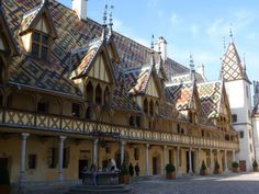 Ridiculous roof, Beaune France