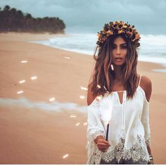 """Bohocave no Instagram: """"Be the best for you, to you & of you... #bohocave @stephannieo #beautiful #outfit #flower #crown #bohostyle #bohemian #bohofashion #festival #hippiestyle #bohemianfashion #fashionblogger #festival #bohemianstyle #style #bohochic #photooftheday #photographer #hippiefashion #fashionblogger #fashionista #wanderlust #whatiwear #instafashion #sf #sffashionblogger #instrafashion #freepeople #fpme #fashiondiaries #whatiamwearing #urbanoutfitters"""""""
